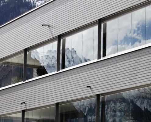 Eternit Fassadenschiefer, Wohn- und Geschäftshaus in Altdorf