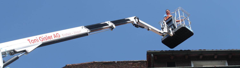 Dachunterhalt mit Hebebühne