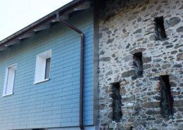 Eternitfassade an Natursteinmauer, EFH Bürglen