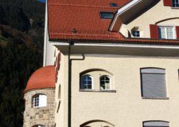 Biberschwanzziegeldach, altes Schulhaus Bürglen