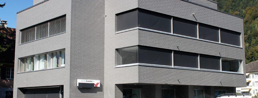 Eternitfassade Wohn- und Geschäftshaus in Altdorf